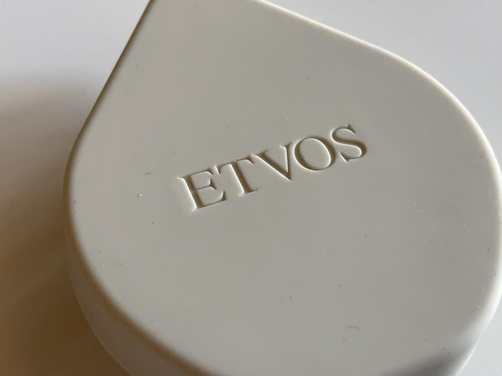 ETVOS(エトヴォス) リラクシングマッサージブラシのロゴ